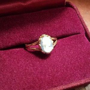 Avon Cameo Ring 1970's
